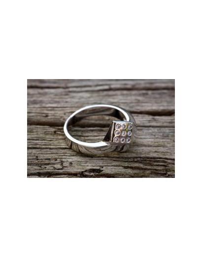 Nail Ring with Diamante