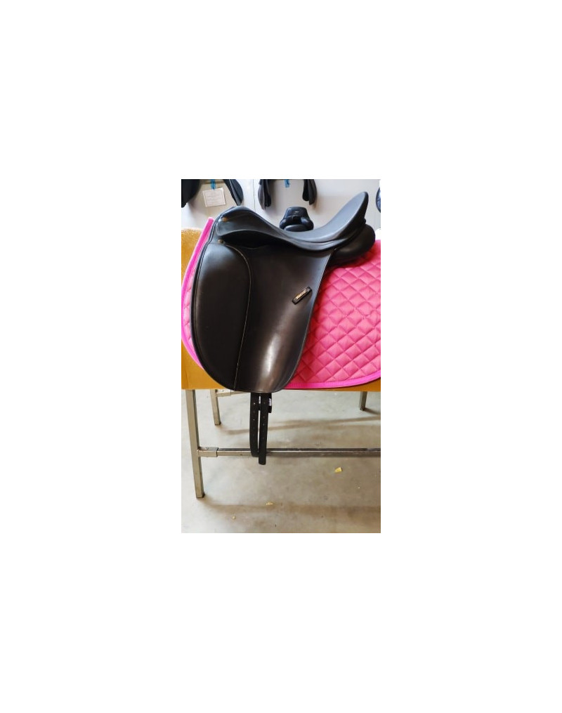 """16"""" Wintec 500 Dressage with Easy Change Gullet System"""