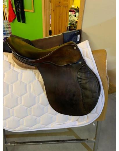 """16"""" English leather saddle"""